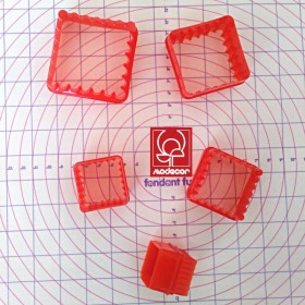 5 emporte-pieces biscuits carré double face