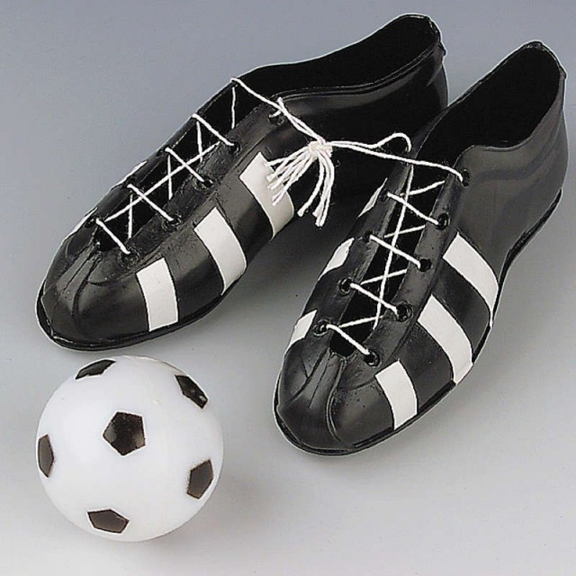 Chaussures de football et ballon de foot